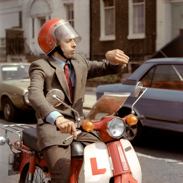 Commuting to work in 1980s London