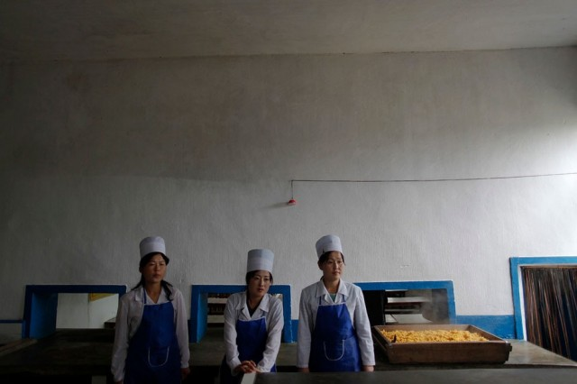 Women Working in North Korea - Mill 2