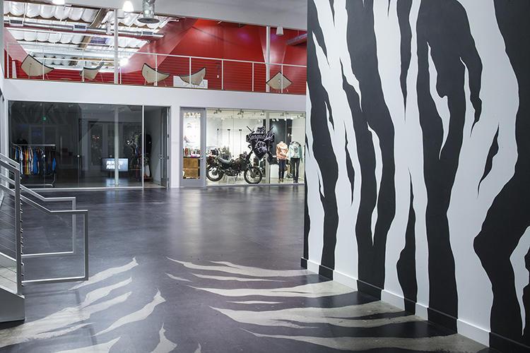 Fox Head Inc - Zebra