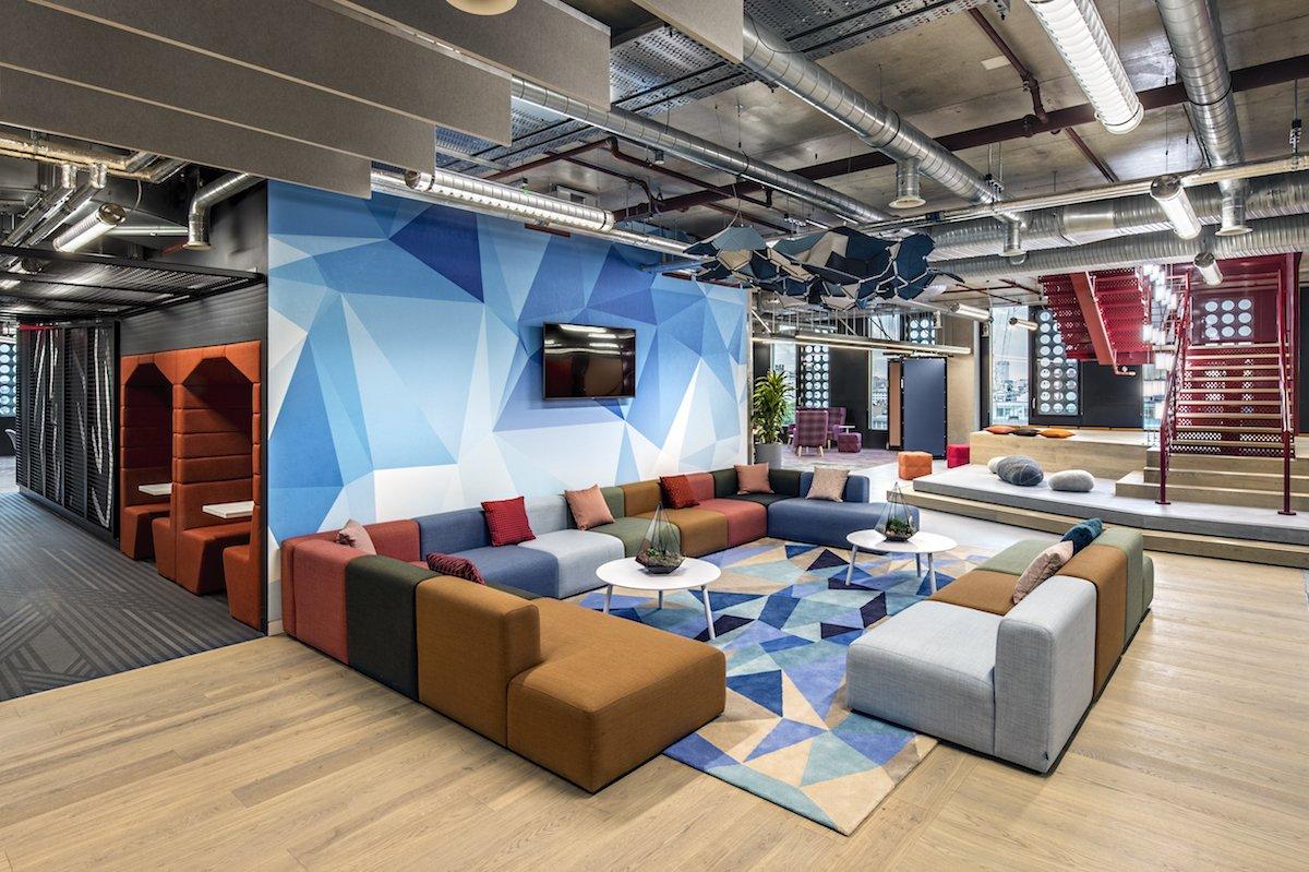 Adobe S New London Hq Has A Rooftop Running Track Guru